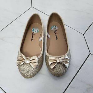 Nina Gold Glittery Girls Dress Shoes Size 2